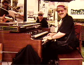 HammondCast Host Jon Hammond at the B3 Organ